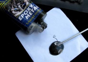 Какой эпоксидный клей выбрать для склеивания металла, как с ним работать