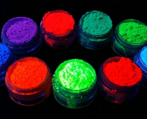 Как используется люминофор в эпоксидной смоле, что это такое
