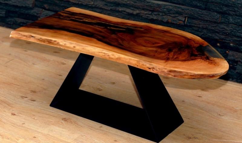 Интересная форма стола