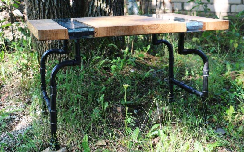 Небольшой столик